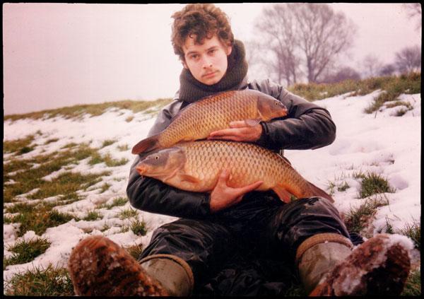 Shaun Harrison cu doi crapi in zăpadă